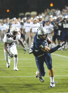 CHRIS BIEN/THE HOYA Junior Max Waizenegger (3) hauled in three passes against Marist, including 39- and 12-yard touchdown catches.