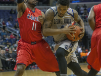 FILE PHOTO: MICHELLE XU/THEHOYA Junior guard D'Vauntes Smith-Rivera played 42 of the game's 45 total minutes and scored a team-high 29 points.