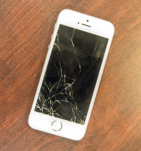 DANIEL SMITH/THE HOYA Reid Blynn (MSB '16) began a company to repair broken iPhone screens last year for a business school course and continued its expansion after the class.