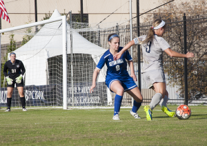 ELIZA MINEAUX FOR THE HOYA Senior forward Crystal Thomas has recorded the second-most shots on goal for the Hoyas this season with 50. Thomas has scored 5 goals this season and recorded 3 assists for a total of 13 points.