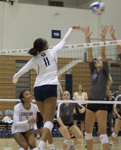 A8_Women'sVolleyball_ElizaMineauzforTheHoya
