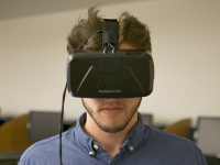ROBERT CORTES FOR THE HOYA Students and faculty can sign up for 15-minute sessions at the Gelardin New Media Center to use the Oculus Rift virtual reality headset from this Wednesday to Dec. 18.