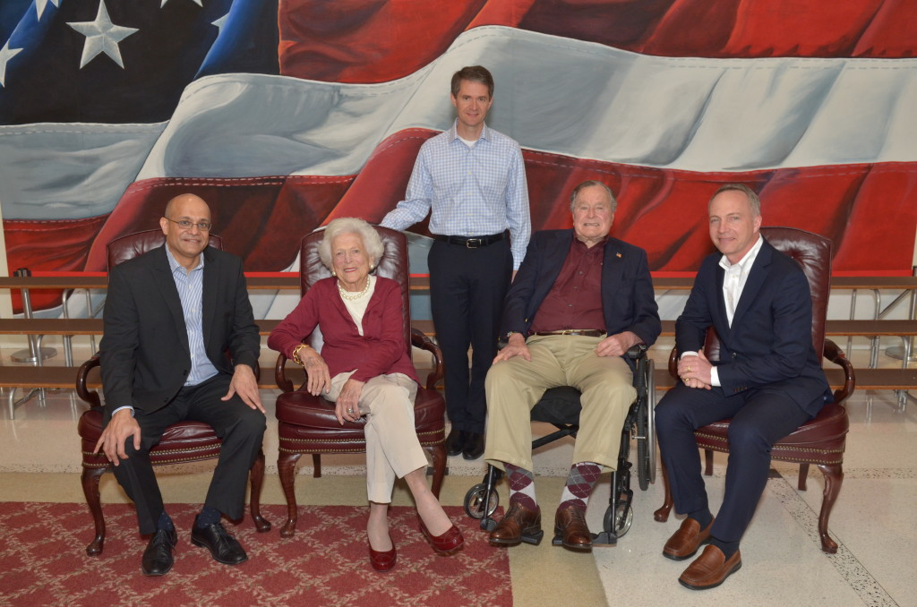 COURTESY MSB WEBSITE Georgetown professors, Michael O'Leary, Paul Almeida and Brooks Holtom who work for the Presidential Leadership scholar program pose with George H. W. Bush and Barbara Bush at the George H. W. Bush Presidential Center.