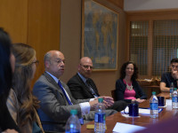 JETTA DISCO Students met with Secretary of Homeland Security Jeh Johnson on Monday in advance of his address at the School of Foreign Service commencement Saturday.