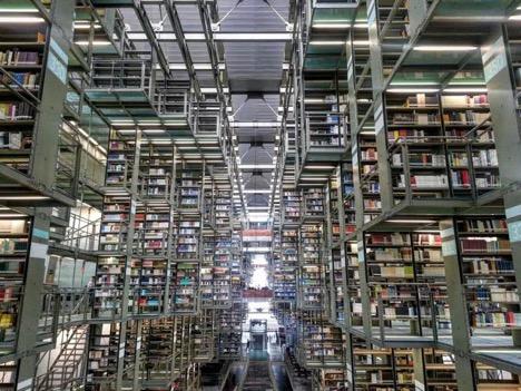 BOOKSTORE IN LA ROMA | COURTESY OF FRIDA SANTIAGO